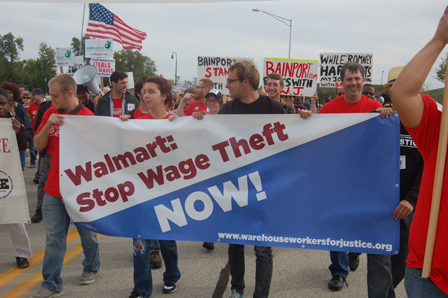A warehouse workers protest in Illinois. Photo: Peoplesworld/Flickr